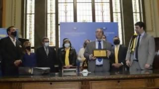 El Parlamento y su homenaje a Peñarol: ¿130 años? - Arranque - DelSol 99.5 FM
