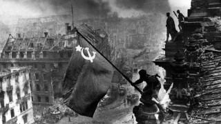 Bandera soviética en Berlín: una foto armada para la ocasión inspirada en Iwo Jima - Leo Barizzoni - DelSol 99.5 FM