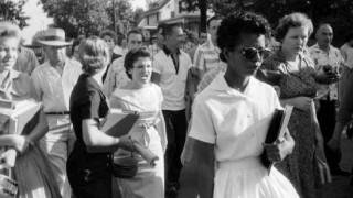 """""""Los nueve de Little Rock"""": la foto que muestra los insultos a los estudiantes negros - Leo Barizzoni - DelSol 99.5 FM"""