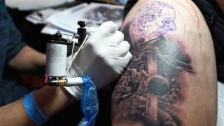 ¿Cuál es el límite de edad para tatuarse y no hacer el ridículo?  - Sobremesa - DelSol 99.5 FM