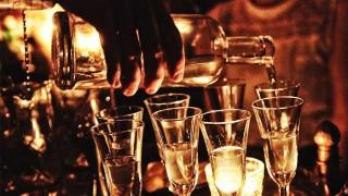 Ginebra: de la narcohisteria a la sofisticación - La Receta Dispersa - DelSol 99.5 FM