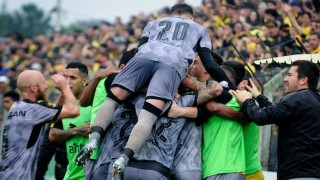 """""""Peñarol consiguió una dura victoria que le permite seguir peleando por el Apertura"""" - Comentarios - DelSol 99.5 FM"""