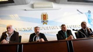 """""""La continuidad de Tabárez es la prioridad"""" - Entrevistas - DelSol 99.5 FM"""