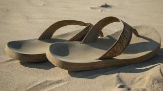 Uso de sandalias y chancletas, ¿por calendario o temperatura?  - Sobremesa - DelSol 99.5 FM