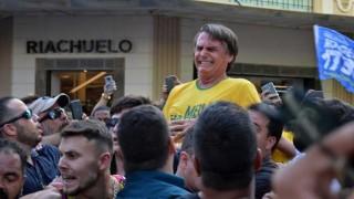 El ataque a Bolsonaro y las teorías conspirativas - Denise Mota - DelSol 99.5 FM