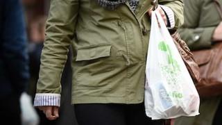 Cobro de bolsas plásticas, ¿qué precio le pondrían?  - Sobremesa - DelSol 99.5 FM