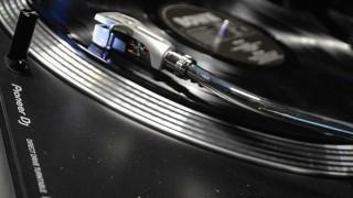 Tarde de vinilos sin hilo conductor - Tarde de vinilos - DelSol 99.5 FM