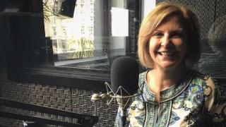 """Mónica Willengton: """"Yo veo el vaso medio lleno, por eso me reinvento"""" - Charlemos de vos - DelSol 99.5 FM"""