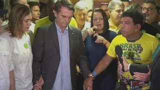 El discurso neopentecostal patriota de Bolsonaro - Denise Mota - DelSol 99.5 FM
