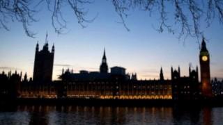 "El ""Profe"" Piñeyrúa por las calles de Londres - Informes - DelSol 99.5 FM"