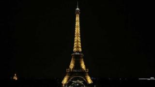 """El """"Profe"""" Piñeyrúa por las calles de París  - Informes - DelSol 99.5 FM"""