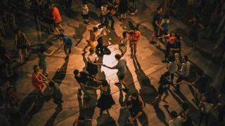 El elogio al baile y la condena a los canallas que te arrastran a la pista - Ines Bortagaray - DelSol 99.5 FM