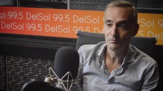 """La vida de Juan Carlos Scelza, las reglas de fútbol según su mamá y la virtud de tocar el piano """"de oído""""  - Charlemos de vos - DelSol 99.5 FM"""