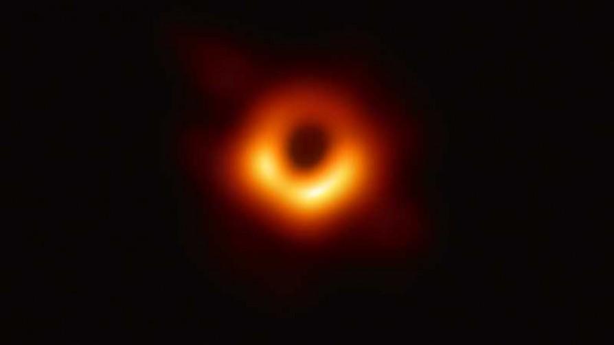 Darwin y un astrónomo para explicar la primera imagen de un agujero negro - NTN Concentrado - No Toquen Nada | DelSol 99.5 FM