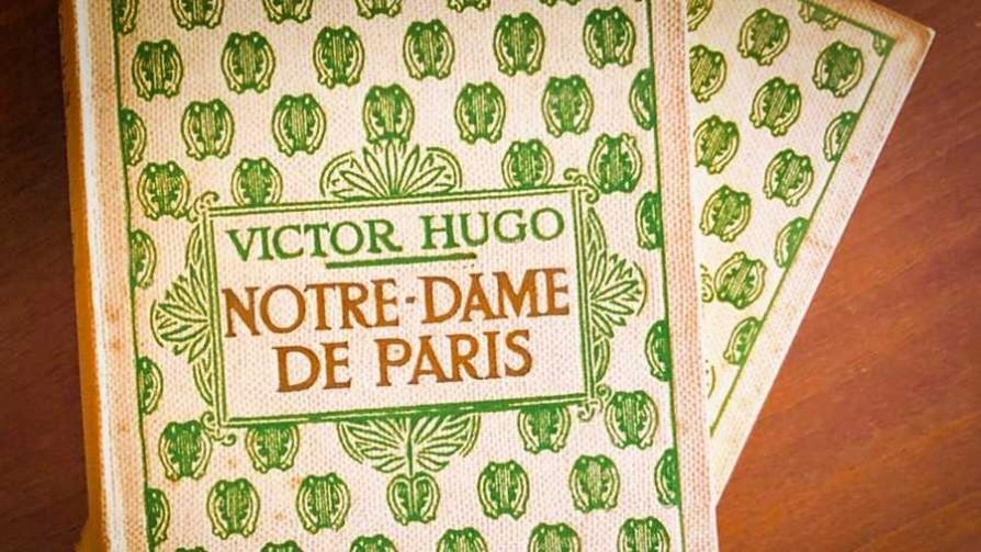 Notre Dame, la catedral y la novela - El guardian de los libros - Facil Desviarse | DelSol 99.5 FM