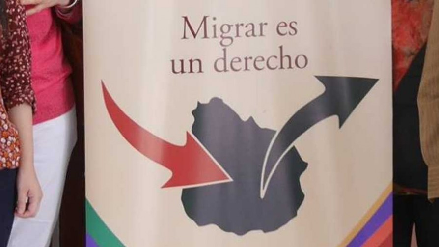 "Uruguay recibe inmigrantes ""más vulnerables"" - Entrevistas - Doble Click | DelSol 99.5 FM"