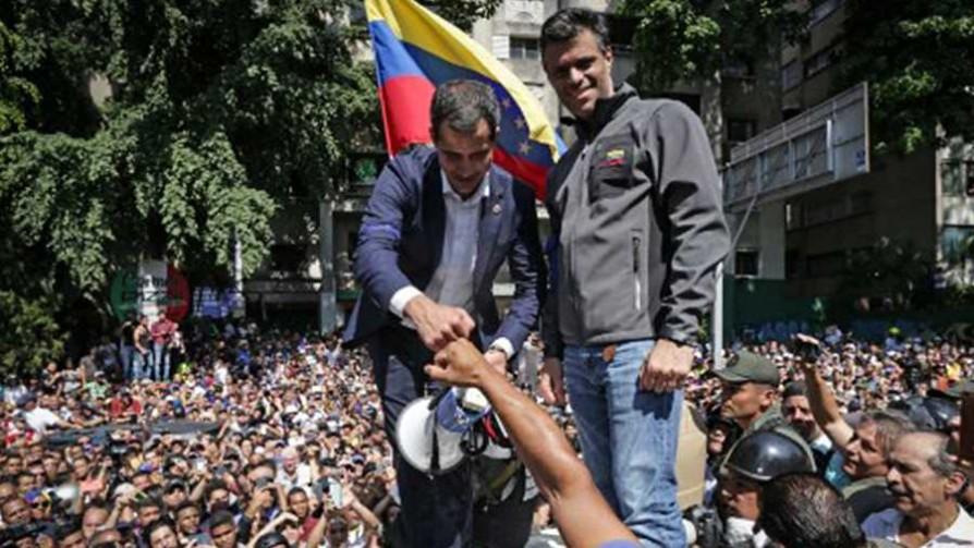 Levantamiento militar en Venezuela liderado por Juan Guaidó - Titulares y suplentes - La Mesa de los Galanes | DelSol 99.5 FM