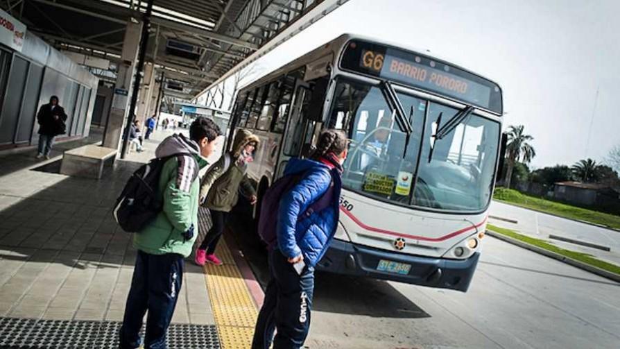 ¿Cuántas paradas de ómnibus hay en Montevideo y cuál es la mejor?  - Sobremesa - La Mesa de los Galanes | DelSol 99.5 FM