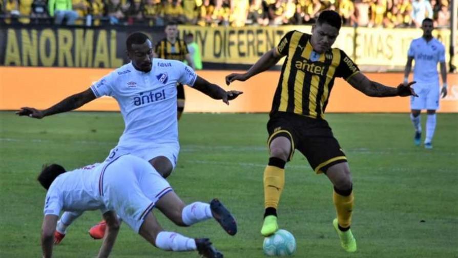 """""""Nacional bancó el partido con 10, Peñarol no encontró herramientas futbolísticas y se va con frustración"""" - Comentarios - 13a0   DelSol 99.5 FM"""