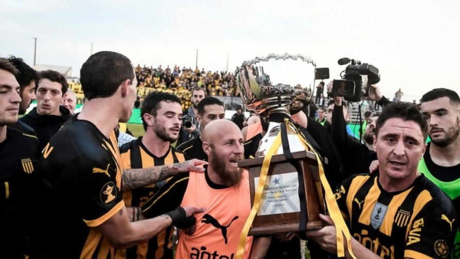 Darwin y el medio campeón medio anticipado en un estadio medio vacío  y muchos goles - Darwin - Columna Deportiva - No Toquen Nada | DelSol 99.5 FM