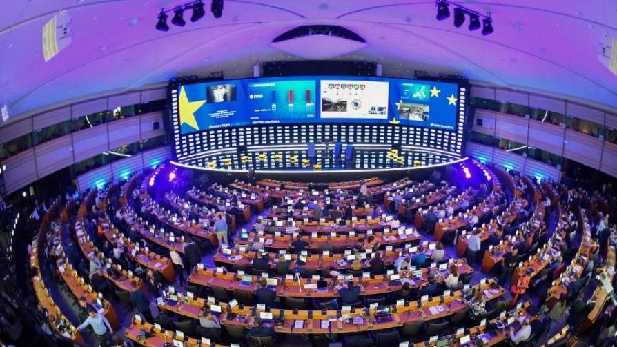 El nuevo rostro del Parlamento Europeo - Carolina Domínguez - Doble Click | DelSol 99.5 FM
