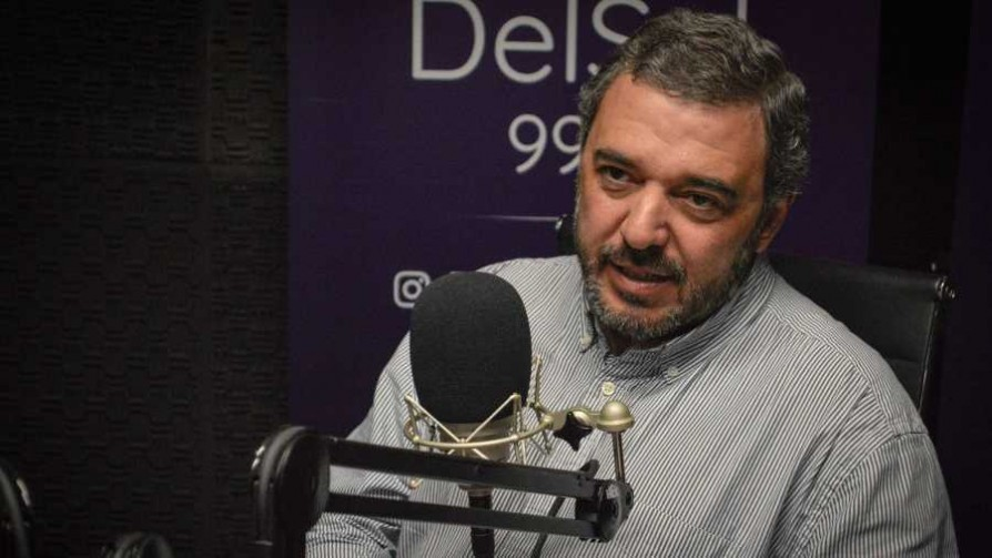 """Para Bergara el """"shock de austeridad"""" es """"el nombre moderno para un ajuste fiscal"""" - Entrevista central - Facil Desviarse   DelSol 99.5 FM"""