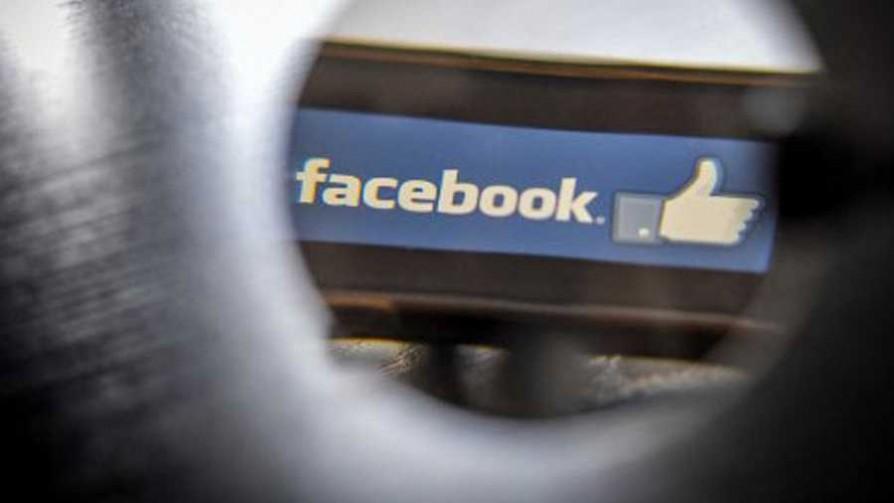 Tema libre: personas que saludan niños o familiares muertos en redes sociales - Sobremesa - La Mesa de los Galanes | DelSol 99.5 FM