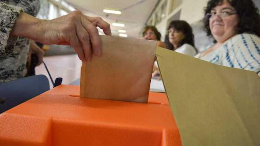 Los riesgos de polarizar la elección - Victoria Gadea - No Toquen Nada | DelSol 99.5 FM