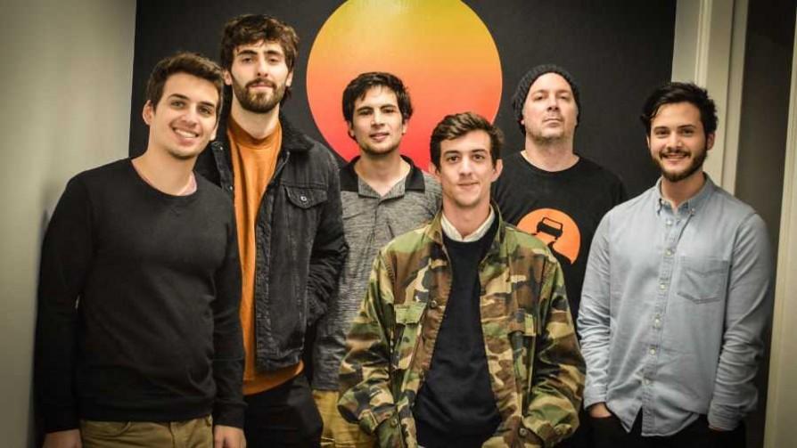 Rezando a los salvadores del rock - La Rockola Humana - Facil Desviarse | DelSol 99.5 FM