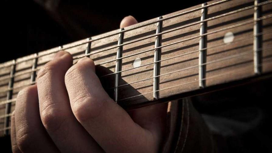 Guitarra y voz - Playlist  - Facil Desviarse | DelSol 99.5 FM