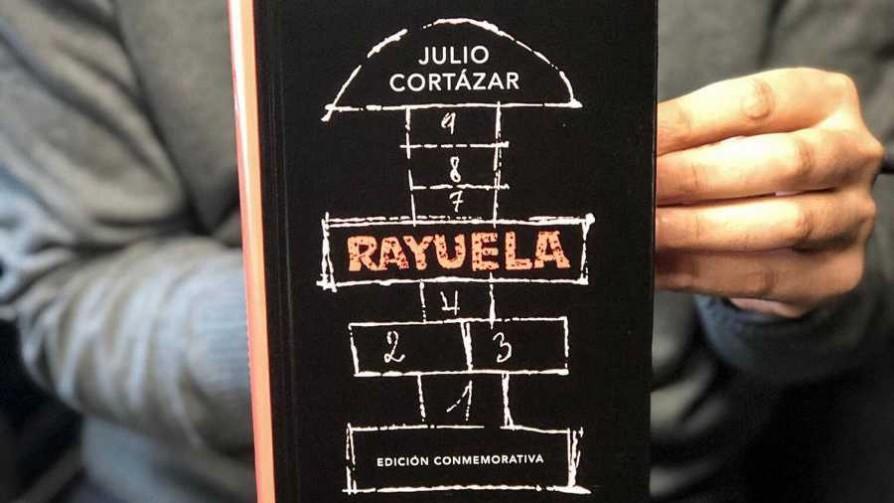 Rayuela: la contracolumna - El guardian de los libros - Facil Desviarse | DelSol 99.5 FM