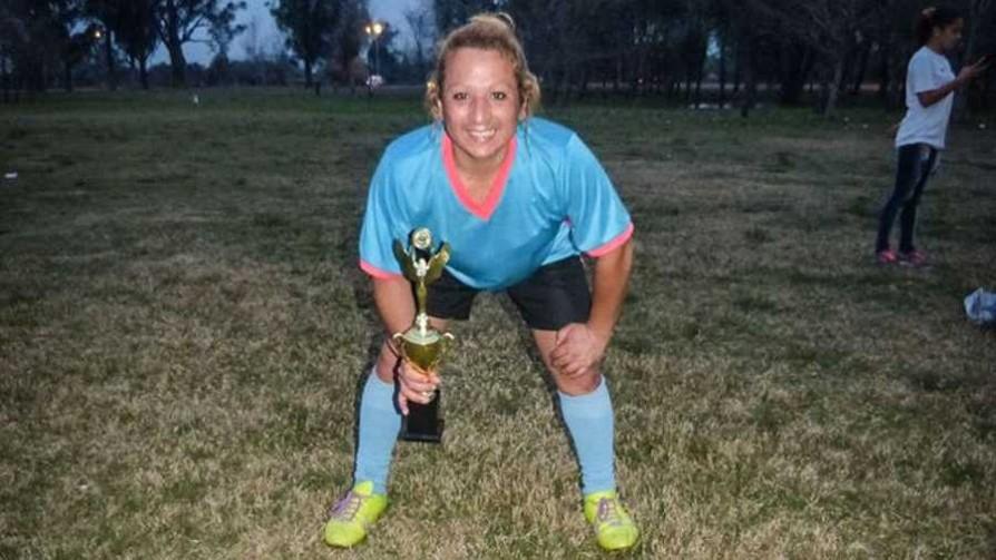 La primera jugadora trans en el fútbol femenino de OFI - Audios - Facil Desviarse | DelSol 99.5 FM