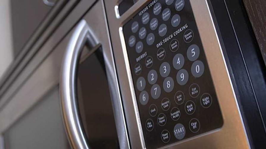 En el horno: la defensa del microondas de Leticia - Leticia Cicero - No Toquen Nada | DelSol 99.5 FM