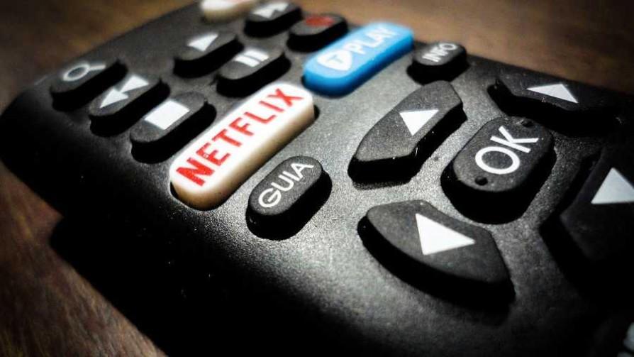 Códigos para mirar una serie con una pareja - Sobremesa - La Mesa de los Galanes | DelSol 99.5 FM