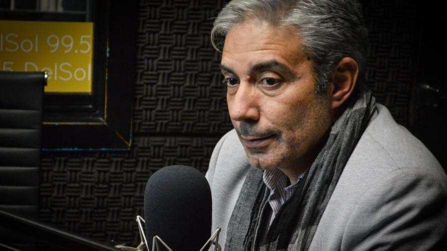 El profesor Robert Silva y un escrito sorpresa para el sistema político - Zona ludica - Facil Desviarse | DelSol 99.5 FM