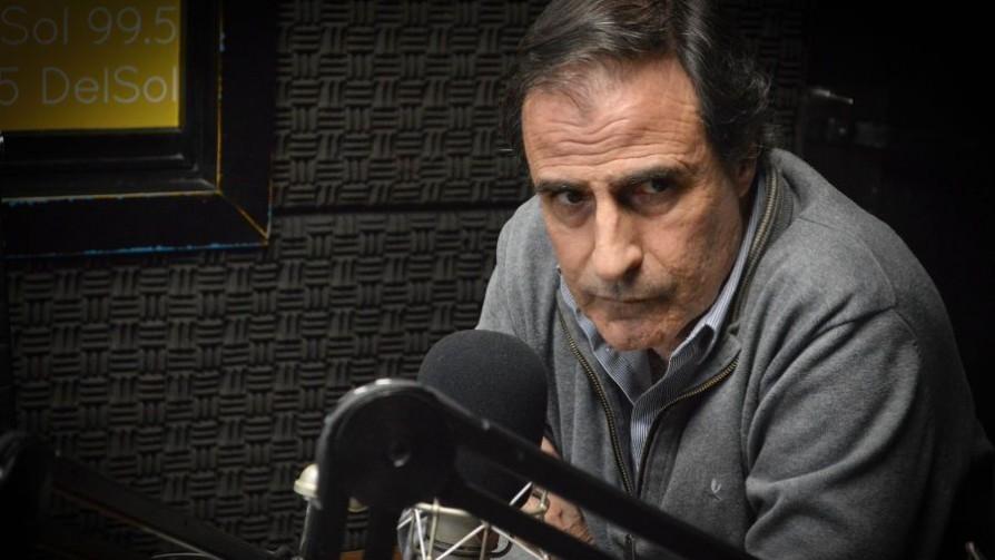 Un test policial para Álvaro Garcé - Zona ludica - Facil Desviarse | DelSol 99.5 FM