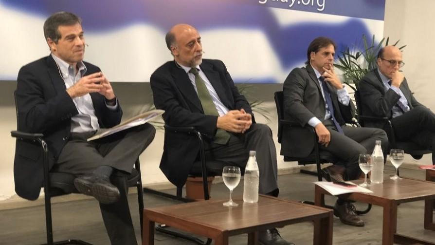 ¿La religión más fuerte de Uruguay? La masonería logró un debate con 4 presidenciables  - Informes - No Toquen Nada   DelSol 99.5 FM