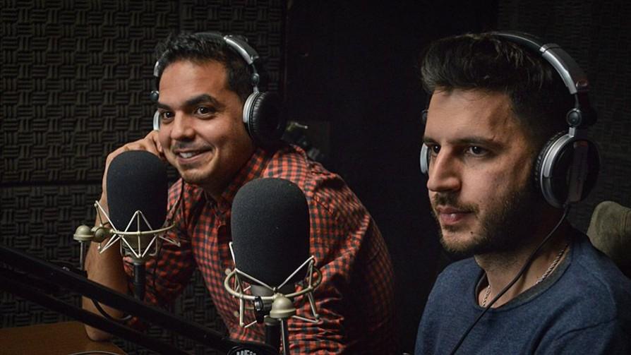 """""""Estos"""" vuelven a los escenarios en familia - Audios - La Mesa de los Galanes   DelSol 99.5 FM"""