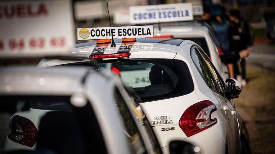 Senado aprobó creación de libreta de conducir por puntos - Titulares y suplentes - La Mesa de los Galanes | DelSol 99.5 FM