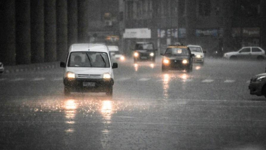 Doble alerta naranja y amarilla por tormentas y lluvias fuertes - Titulares y suplentes - La Mesa de los Galanes | DelSol 99.5 FM