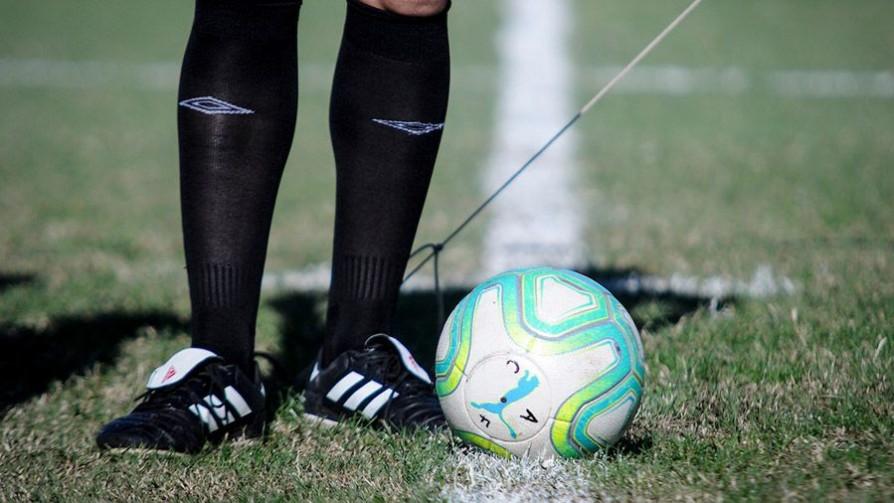 Qué cobertura hay en las canchas de fútbol ante paros cardiorrespiratorios - Diego Muñoz - No Toquen Nada | DelSol 99.5 FM