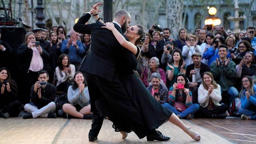 Darwin y el drama de los viejos: sin timba y con el fracaso de Montevideo Tango - Columna de Darwin - No Toquen Nada   DelSol 99.5 FM