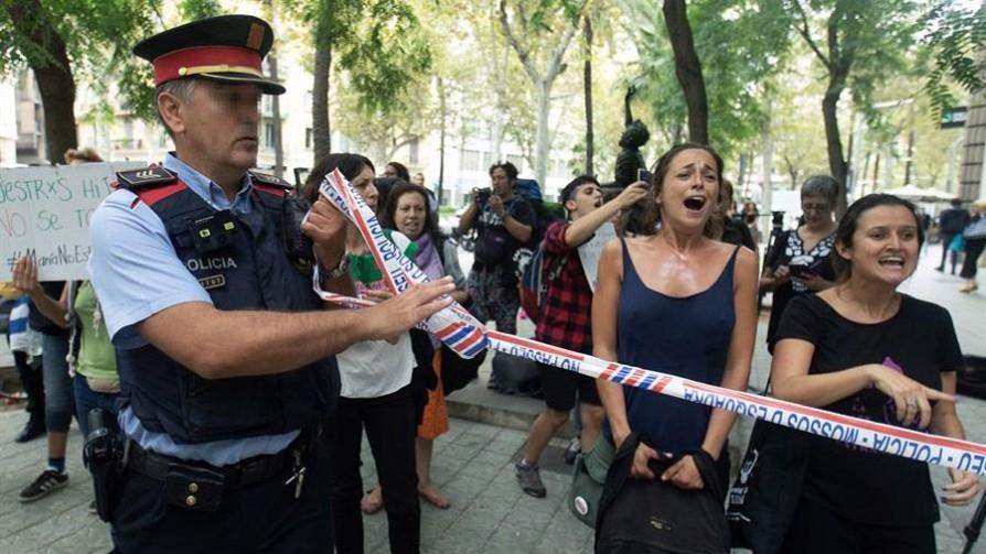 Caso María no se va: la niña fue entregada a la Policía de Barcelona - Titulares y suplentes - La Mesa de los Galanes | DelSol 99.5 FM