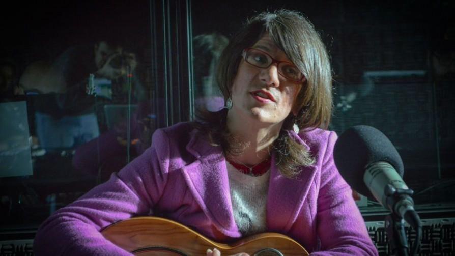 La historia de Agness, la artista trans que dejó Brasil para venir a Uruguay - Entrevista central - Facil Desviarse | DelSol 99.5 FM