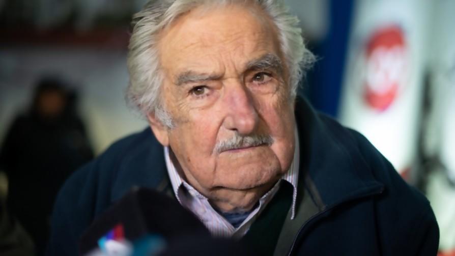 """Sanguinetti va a tratar de emparchar la situación"" - Entrevistas - Doble Click   DelSol 99.5 FM"