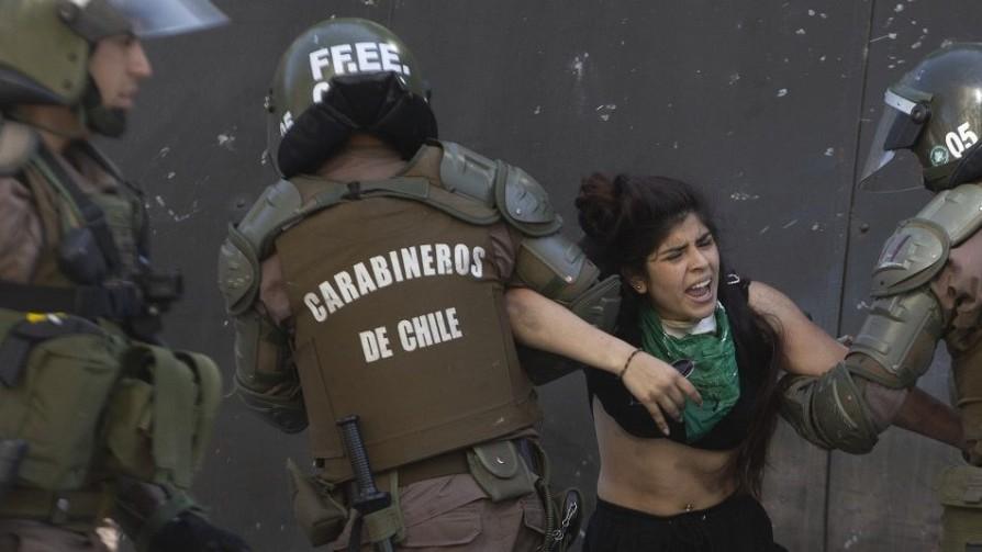 Protestas y abusos: ¿qué pasa en Chile? - Entrevistas - Doble Click | DelSol 99.5 FM