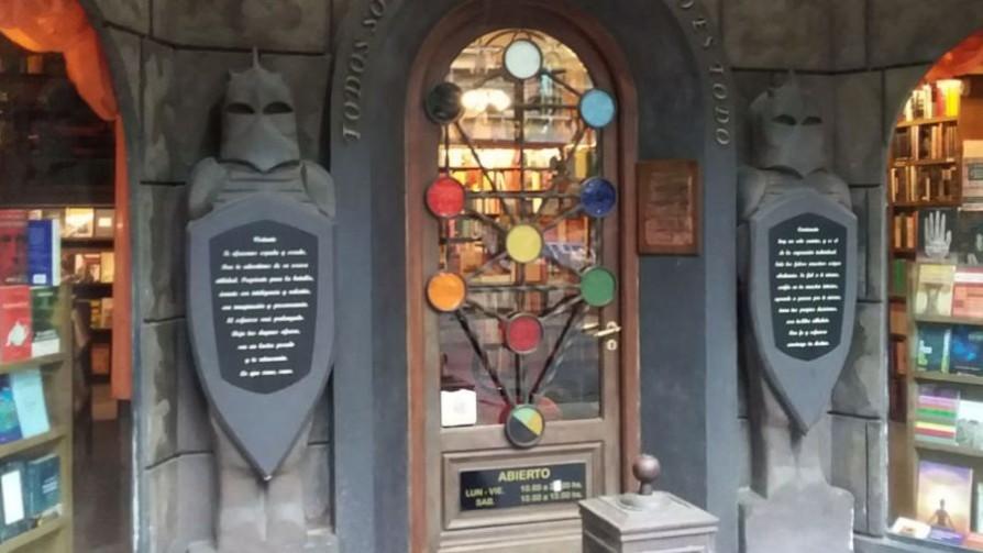 Mundos Invisibles, de la New Age a las grandes tradiciones espirituales - El guardian de los libros - Facil Desviarse   DelSol 99.5 FM
