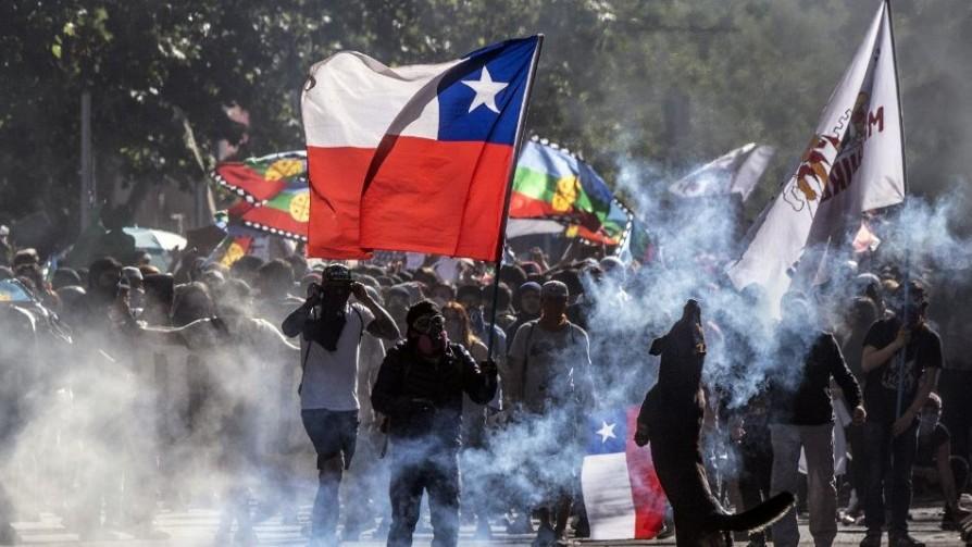 """Chile y la """"nueva normalidad"""" después de 15 días de crisis - Colaboradores del Exterior - No Toquen Nada   DelSol 99.5 FM"""