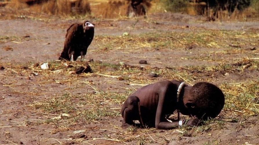 La foto del niño y el buitre: tragedia y polémica - Leo Barizzoni - No Toquen Nada | DelSol 99.5 FM