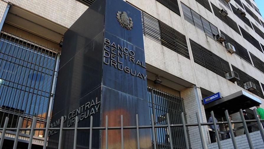 Déficit fiscal de 4.9%, el mayor en 30 años - Titulares y suplentes - La Mesa de los Galanes | DelSol 99.5 FM